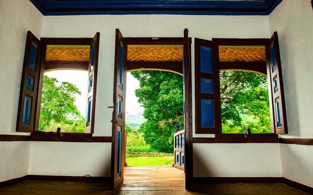 pintar puertas madera